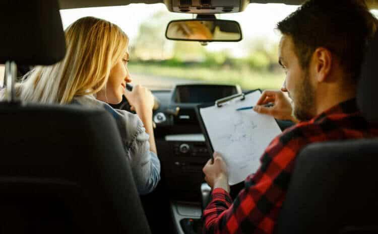 Czy po zdaniu egzaminu na prawo jazdy można jeździć samochodem?