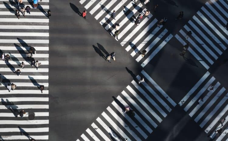 Piesi w ruchu drogowym